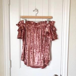 NWT! Umgee Blouse Size Small